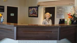 Bay Hill Inns & Suites, Fogadók  Neepawa - big - 34