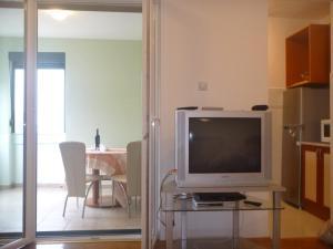 Apartman Ozi, Ferienwohnungen  Petrovac na Moru - big - 4
