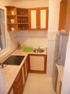 Apartman Ozi, Ferienwohnungen  Petrovac na Moru - big - 9