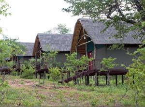 Lion Roars Lodge, Turistaházak  Lesoma - big - 14