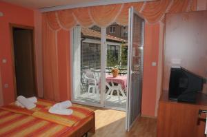 Villa Mimi, Guest houses  Peštani - big - 40