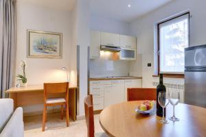 Apartments Nina, Apartmány  Rovinj - big - 22