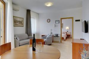 Apartments Nina, Apartmány  Rovinj - big - 8