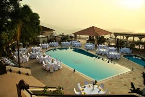 The Country Lodge Complex, Hotely  Freetown - big - 37
