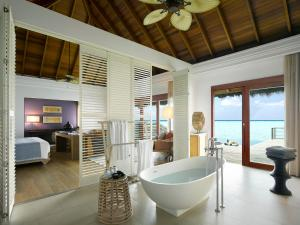 Dusit Thani Maldives (33 of 112)