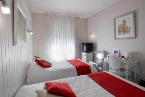 Hotel Biney, Hotely  Rodez - big - 8