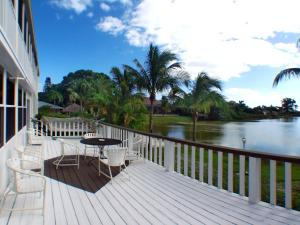 Two-Bedroom Queen Suite with Lake View Marco Island Lakeside Inn