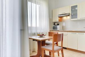 Apartments Nina, Apartmány  Rovinj - big - 20