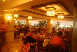 Blue Wave Suite Hotel, Hotely  Alanya - big - 30