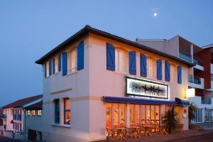 __{offers.Best_flights}__ Hotel de France