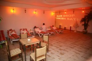 Blue Wave Suite Hotel, Hotely  Alanya - big - 13