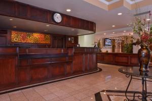 Best Western Plus Tucson Int'l Airport Hotel & Suites, Отели  Тусон - big - 23
