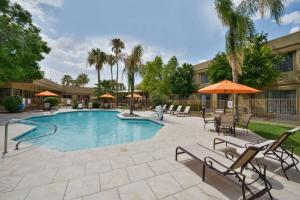 Best Western Plus Tucson Int'l Airport Hotel & Suites, Отели  Тусон - big - 25