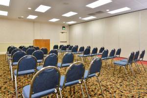 Best Western Plus Tucson Int'l Airport Hotel & Suites, Отели  Тусон - big - 52