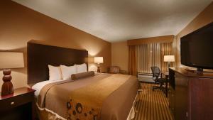 Best Western Plus Tucson Int'l Airport Hotel & Suites, Отели  Тусон - big - 60