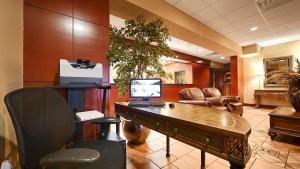 Best Western Plus Sandusky Hotel & Suites, Отели  Сандаски - big - 51