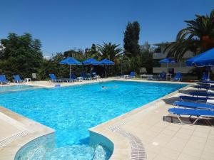 Hostales Baratos - Francisco Beach Hotel