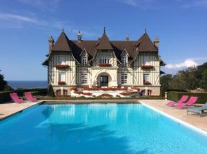 Location gîte, chambres d'hotes Manoir de Benerville dans le département Calvados 14