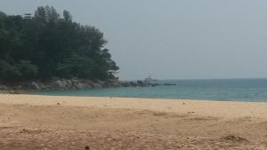 Studio 33, Ferienwohnungen  Nai Thon Beach - big - 51