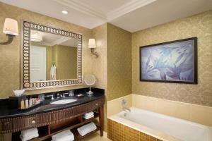 Waldorf Astoria Orlando (11 of 47)