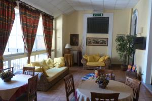 Hotel Etnea 316 - AbcAlberghi.com
