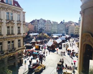 The Old Town Square & Parizska Apartments - Prague