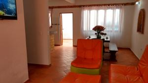 Apartahotel La Gran Familia, Апарт-отели  Вилья-де-Лейва - big - 17