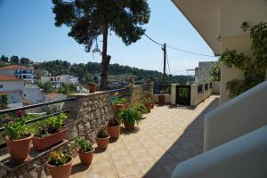Pefka Apartments Alonissos Greece