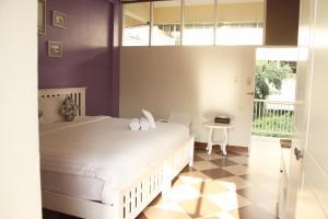 Feung Nakorn Balcony Rooms and Cafe, Отели  Бангкок - big - 15