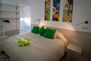 Apartment 81