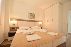Apartments Lofiel, Ferienwohnungen  Novalja - big - 98
