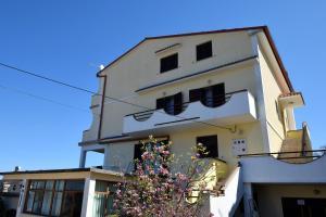 Apartments Petrica, Апартаменты  Малинска - big - 20