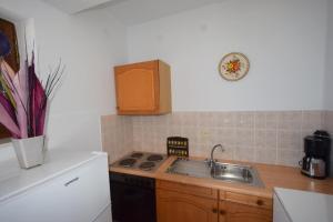 Apartments Petrica, Апартаменты  Малинска - big - 52