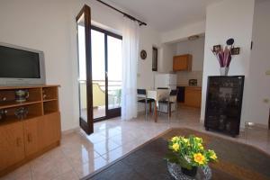 Apartments Petrica, Апартаменты  Малинска - big - 58
