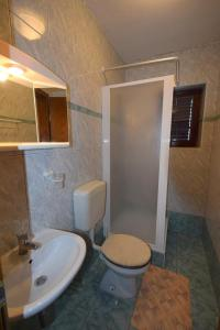 Apartments Petrica, Апартаменты  Малинска - big - 69