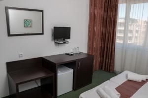 Family Hotel Asai, Hotel  Ravda - big - 18
