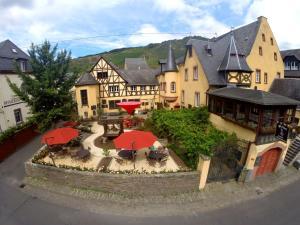 Weingut & Schloss Freiherr v. Landenberg - Bremm