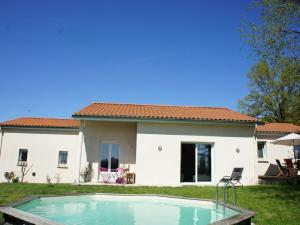 Accommodation in Maringes