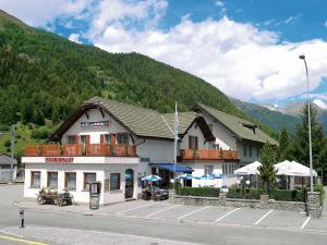 Hotel a la Staziun