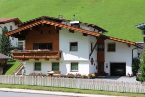 Ferienwohnung Tomann - Apartment - Hintertux