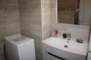 Appartement Le Chantilly 3, Apartments  Cagnes-sur-Mer - big - 18