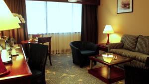 Radisson Blu Resort, Sharjah, Resorts  Schardscha - big - 47