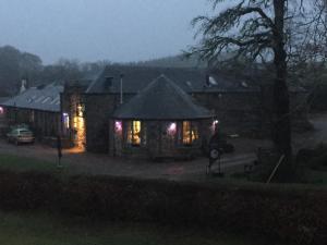 Lodge at Lochside, Отели типа «постель и завтрак»  Bridgend of Lintrathen - big - 18