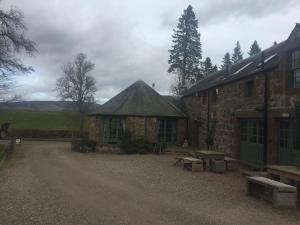 Lodge at Lochside, Отели типа «постель и завтрак»  Bridgend of Lintrathen - big - 17