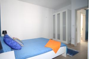Villetta Ottaviano 1, Apartments  Torre Suda - big - 17