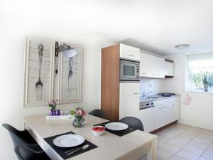Holiday home Bungalowpark T Lappennest, Holiday homes  Noordwijk - big - 34