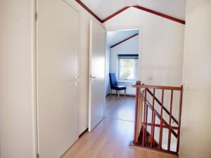 Holiday home Bungalowpark T Lappennest, Holiday homes  Noordwijk - big - 35