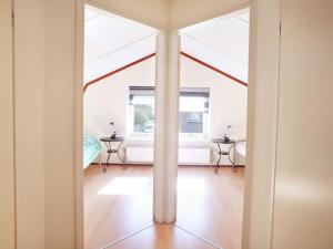 Holiday home Bungalowpark T Lappennest, Holiday homes  Noordwijk - big - 36