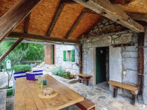 Beautiful Holiday Home in Starigrad with Garden