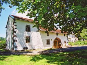 Location gîte, chambres d'hotes Spacious Holiday Home near Forest in Esmoulieres dans le département Haute Saône 70